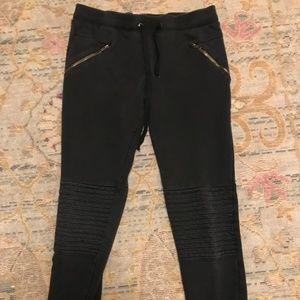 Forever 2- black sweatpants with zippers